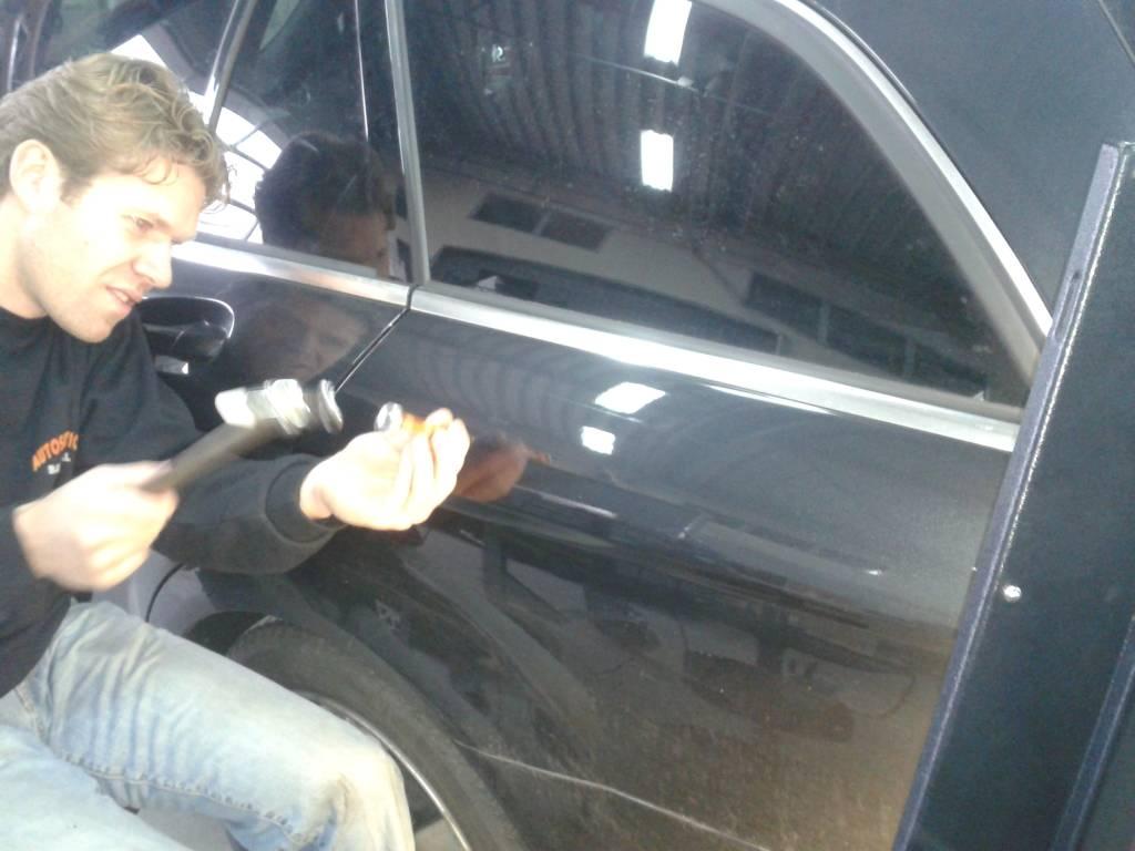 Autoschadeherstel uitdeuken zonder spuiten 3
